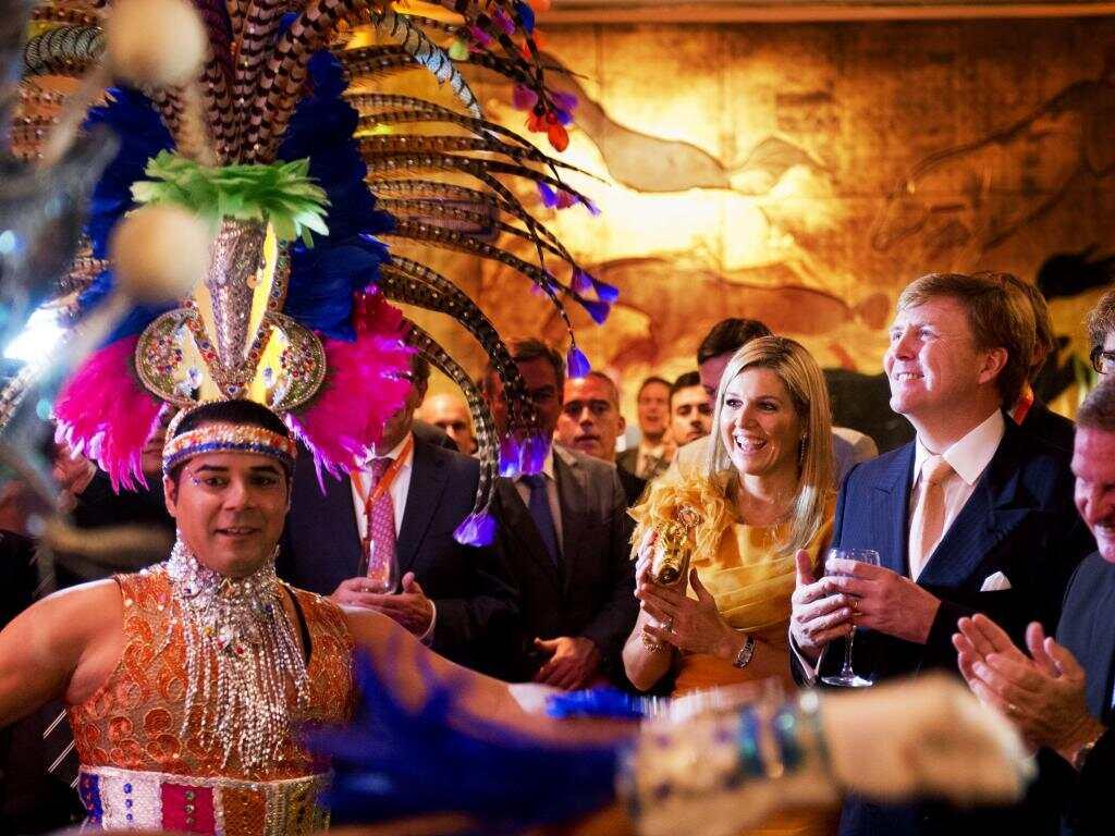 荷兰王子王妃因商出访 热舞巴西