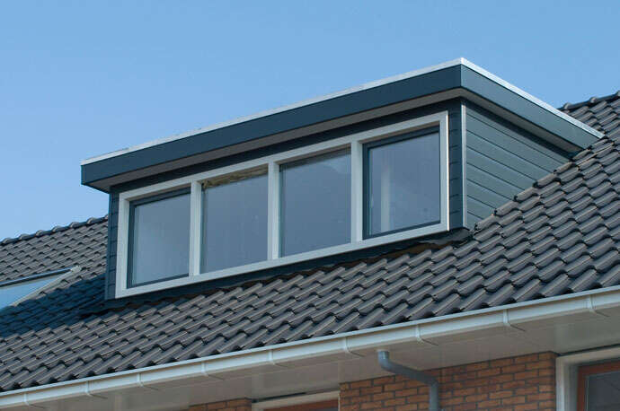 flat roof window.jpg